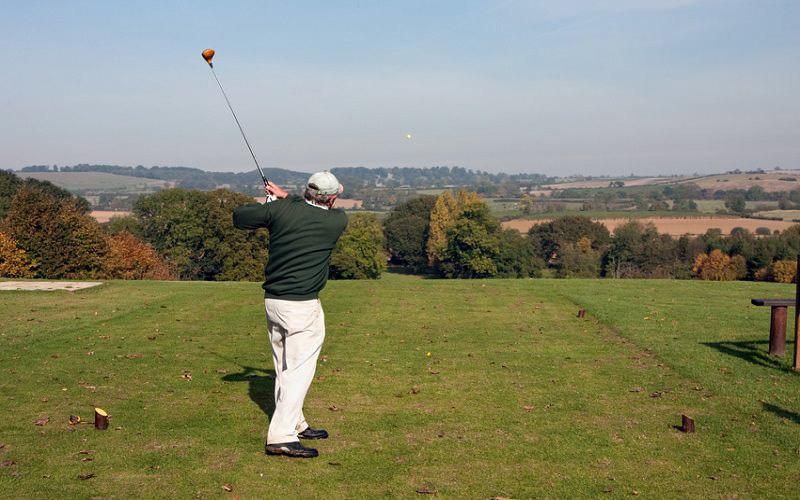 golf-agees-golfeur-senior-swing.jpg