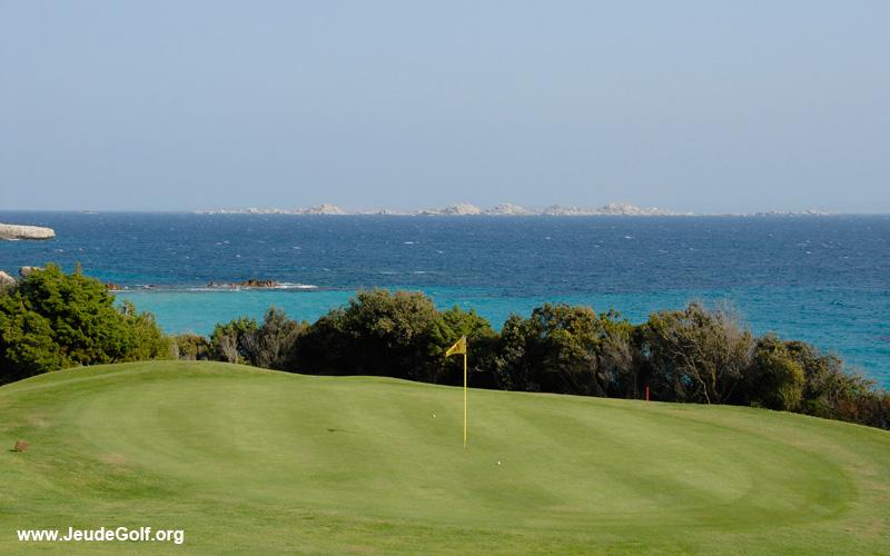 paysage sur le golf de Spérone