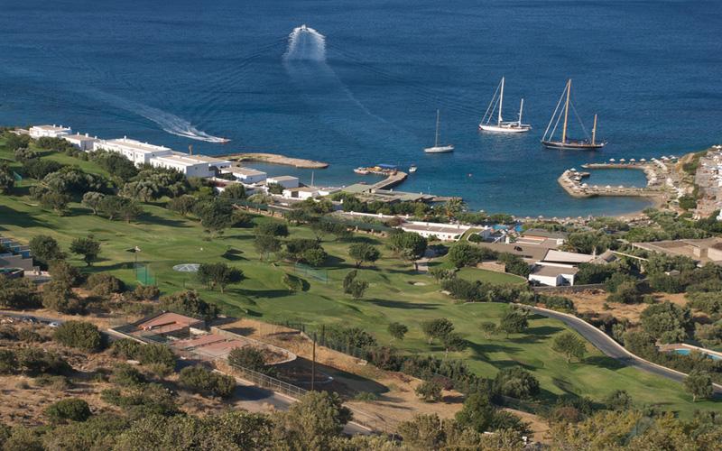 Parcours de golf en Grèce. Crédit photo : Fotolia