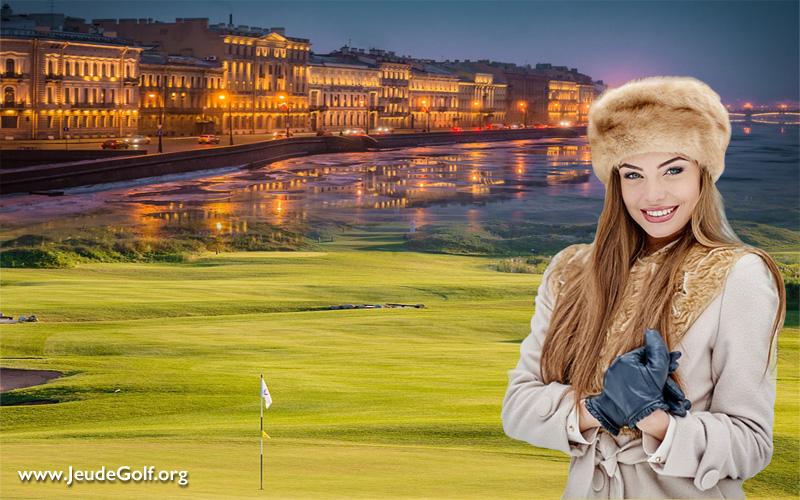 Jouer au golf à Saint-Pétersbourg pour le jour le plus long de l'année