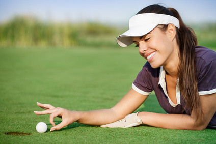 Choisir la bonne balle de golf : celle qui va toujours au fond du trou