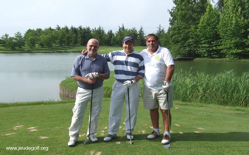 Les bons partenaires pour jouer au golf
