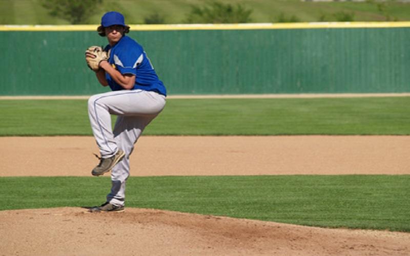 Le lancer du joueur de baseball