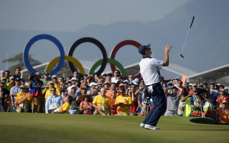 Il peut jeter son putter en l'air…Justin Rose est depuis quelques instants le premier champion olympique de golf depuis plus d'un siècle !