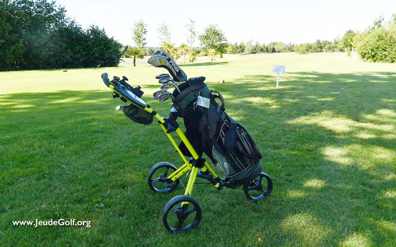 Test du chariot de golf à pousser, 3 roues, Inesis de Decathlon