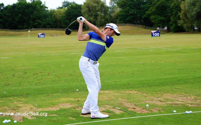 Labo Golf: Améliorer la connexion bras-buste pour contrôler son swing