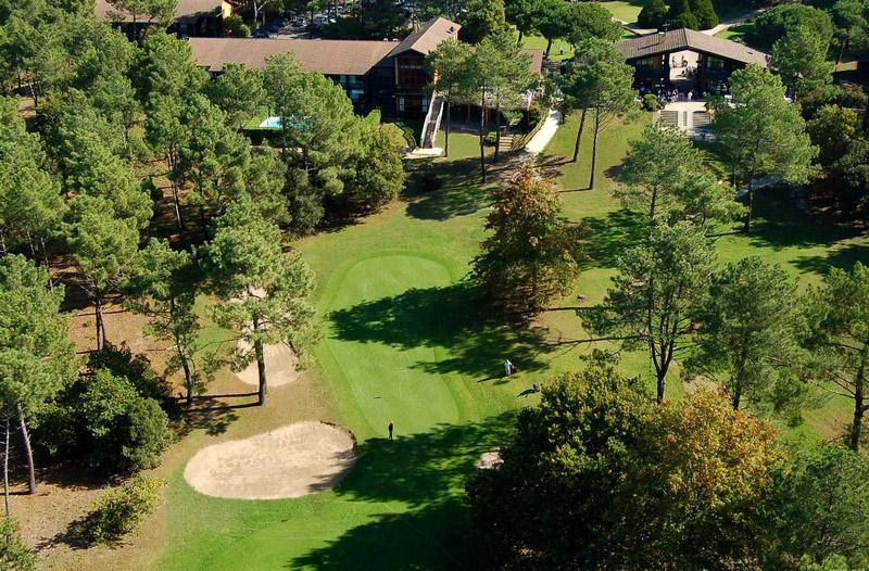 Le club-house du golf de Lacanau