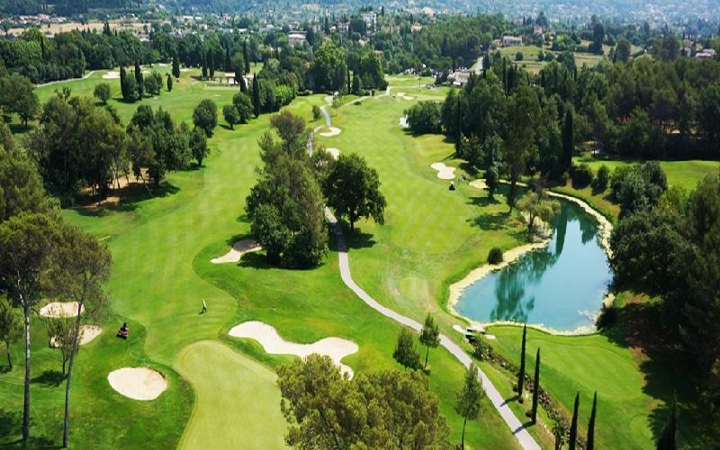 Comment jouer sur le parcours du golf de Saint-Donat ? (1ère partie – l'aller)