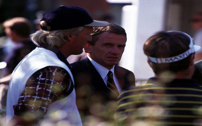 Tim Finchem en 1996 aux côtés de Greg Norman.Le commissaire du PGA Tour a laissé une maison bien rangée...