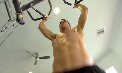 Exercice de traction pour renforcer le haut du corps