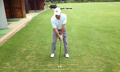posture avant le swing de golf