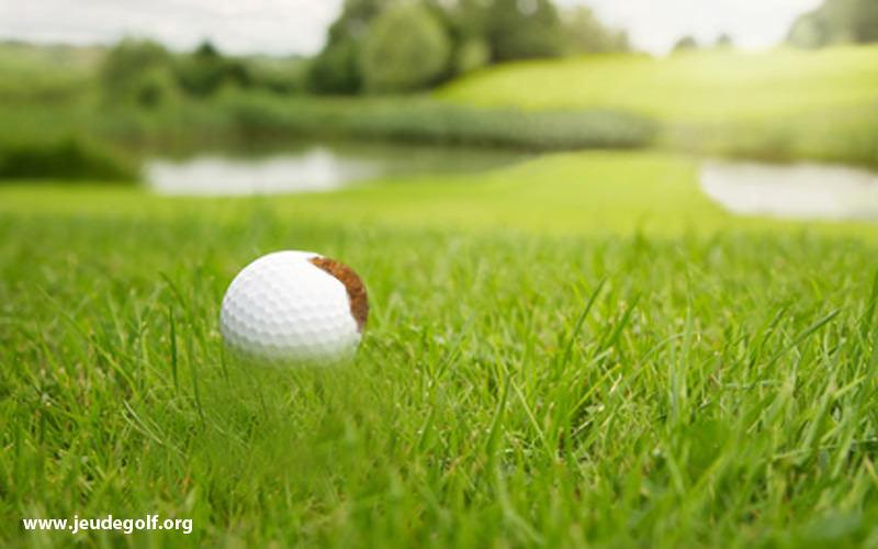 La boue sur les balles de golf, quelle incidence?