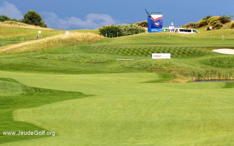 golf national de saint quentin en yvelines o jouer au golf en ile de france. Black Bedroom Furniture Sets. Home Design Ideas