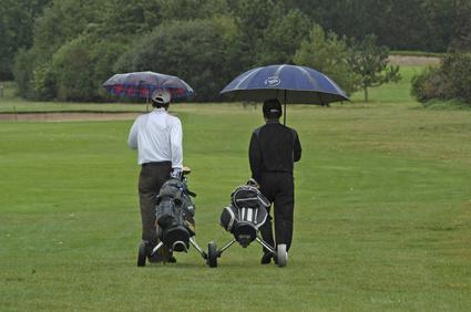 Jouer au golf dans des conditions météos difficiles