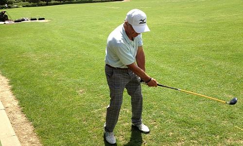 faire des waggles avant de jouer un coup de golf