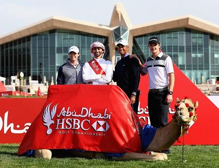 McIlroy, Woods, et Rose en photo avec un chameau appelé