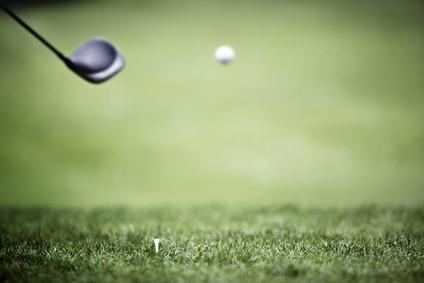 Driver plus loin sur le parcours de golf