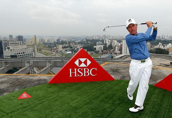 Gary Player sur le toit du Centenario Plaza de Sao Paulo pour la promotion du golf au Brésil