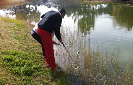 Une partie de golf entre amis passe-t-elle toujours par une partie de pêche ?