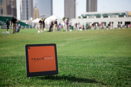 Trackman : Une petite boite noire et orange sur les practices de golf